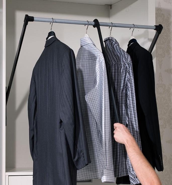 Выдвижной механизм для шкафа купе под вешалки